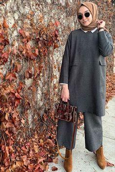 Esra Keskin Demir Füme İkili Takım The clothing culture is fairly old. Hijab Casual, Modest Fashion Hijab, Modern Hijab Fashion, Muslim Fashion, Fashion Outfits, 80s Fashion, Fashion Trends, Modest Dresses, Modest Outfits