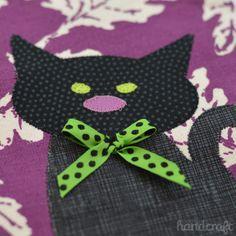 The Sizzix Challenge Halloween | Black Cat Appliqué Towel by Nicole Daksiewicz