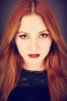 Modelka:Ewelina Adrianna Biała Wizaż:Aleksandra Unieżycka Miejsce: Fabryczne Atelier FotoGenerator 8 Flash Studio pod napięciem