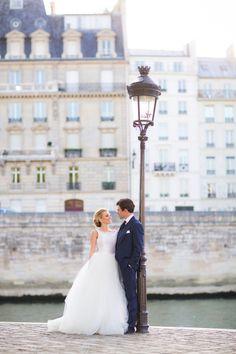 Parisian love: http://www.stylemepretty.com/destination-weddings/2014/11/10/springtime-in-paris-elopement/ | Photography: Le Secret D'Audrey - http://www.lesecretdaudrey.com/