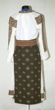 Women's costume from Banat, zone Timiş, village Ohaba Forgaci