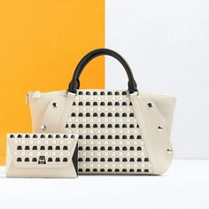 Discover our expertly crafted handbags with handwoven leather trapezoid details. Crossbody Clutch, Calf Leather, Calves, Hand Weaving, Shoulder Strap, Handbags, Detail, Spring, Summer