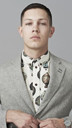 Creative Fashion, Balloon, Shirt, Hot, and Air image ideas & inspiration on Designspiration I Love Ugly, How To Look Handsome, Costume, Well Dressed Men, Gentleman Style, Prince Charming, Dapper, Menswear, Style Inspiration