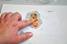 Přenést vlastní fotografii na plátno je jednoduché! | Davona výtvarné návody Plastic Cutting Board, Origami, Pictures, Origami Paper, Origami Art