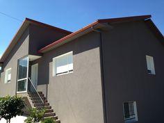 Una de nuestras obras realizadas recientemente con el Sistema SATE Baumit Prosystem totalmente acabada. Con este sistema podemos llegar a ahorrar un 60% de energía (calefacción) en una vivienda o edificio.