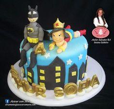 Bolo decorado super herois, Batman, Mulher Maravilha