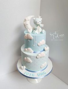 Baby Shower Cake Blue baby bear – cake by Lulu Goh Baby Shower Cakes For Boys, Baby Boy Cakes, Baby Shower Parties, Baby Boy Shower, Babyshower Cake Boy, Cloud Baby Shower Theme, Gateau Baby Shower Garcon, Baby Boy Christening Cake, Bolo Panda