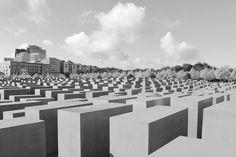 BERLIN / Jewish Memorial (Peter Eisenman, 1998-2005) © F. Martin Peter Eisenman, Berlin, Dolores Park, Memories, Photography, Travel, Architecture, Pictures, Fotografie