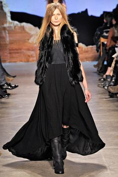 Floaty skirt, boots, fur - I like it!  Though I'd probably do it in something other than black, personally.