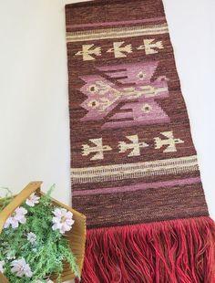 Vintage laine tissé Vintage Wall Hanging, Art populaire, Art Tribal, decoration murale, oiseaux Decor tissé avec longue frange, tapisserie # 2-18
