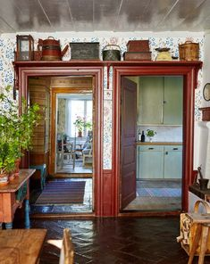 Gunnar Kaj var i många år Nobelfesternas blomsterkreatör. I sommarhuset i… Swedish Farmhouse, Swedish House, Scandinavian Living, Scandinavian Interior, Interior Design Living Room, Interior Decorating, Swedish Interiors, Cool Rooms, Cottage Style