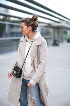 http://stylelovely.com/bartabacmode/2017/01/hoodie-x-maxicoat