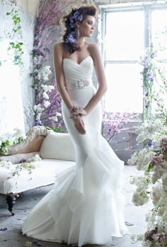 Brides: Tara Keely :  2259 I know you said no but I wanna post bc I love the styling and overall picture