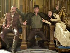 Dysfunctional royal family photo - Behind the Scenes on Reign with King Henry (Alan Van Sprang), Bash (Torrance Coombs), and Penelope (Kathryn Prescott) Movies And Series, Cw Series, Mary Queen Of Scots, Queen Mary, Reign Bash, Reign Hairstyles, Reign Quotes, Torrance Coombs, Reign Tv Show