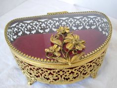What's in Your Vintage Jewelry Box? by Gayla and Al Esch on Etsy