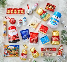 It is the last weekend to pick up gifts for everyone on your list. Be sure to pop over to a Lindt Chocolate Shop to find great last-minute gift ideas and stock stuffers. Some you don't even have to wrap! Lindt Chocolate, Luxury Chocolate, Chocolate Shop, Chocolate Treats, Chocolate Christmas Gifts, Lindor, Last Minute Gifts, Shops, Gift Ideas