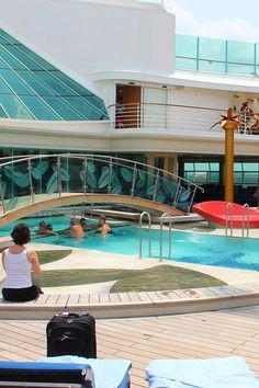 Freedom of the Seas | Elevate any cruise day with a relaxing trip to the Solarium.