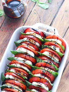 5 Delicious Italian Recipes You've Never Tried Before -Tomato Mozzarella Salad With Balsamic Reduction. Perfect healthy clean eating recipe for brunch, lunch, dinner. Summer Salad Recipes, Summer Salads, Summer Dishes, Vegetarian Recipes, Cooking Recipes, Healthy Recipes, Vegetarian Buffet, Thai Recipes, Asian Recipes