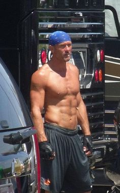 Tim McGraw Without a Shirt Even at middle age, he looks better then men half his age do shirtless. Country Music Artists, Country Music Stars, Country Singers, Tim Mcgraw Shirtless, Tim And Faith, Timmy Time, Tim Mcgraw Faith Hill, Country Men, Country Living