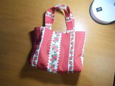Bélelt textil táska. Gombostu.hu alapozó tanfolyam tananyaga