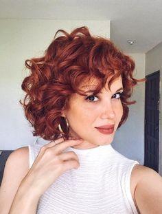 whites, freckles and smiles ⭐️ . Bob Haircut Curly, Short Curly Haircuts, Short Curly Bob, Permed Hairstyles, Curly Ginger Hair, Short Red Hair, Auburn Hair, Hair Photo, Hair Inspiration