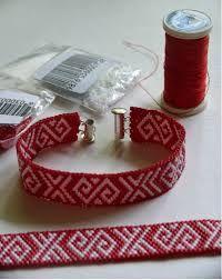 Zalktis rokasspradze agnesesvasermane Bead Loom Patterns, Peyote Patterns, Bracelet Patterns, Beading Patterns, Crystal Beads, Glass Beads, Bead Crafts, Diy Crafts, Bead Crochet Rope