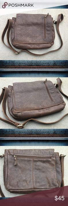 ➕I Medici Firenze➕ unisex leather messenger bag I don't know a lot about this brand but it's a lovely bag and it was VERY expensive for what it is so I am going to let it go for a lot less. Made of high quality Italian leather. Soft brown leather, worn look. Suitable for a man or woman, it's definitely unisex! New condition, worn one time. Interior and exterior is very clean. Crossbody strap. Made in Italy. 🇮🇹 I Medici Firenze Bags Crossbody Bags