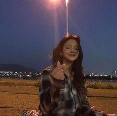 Ulzzang Girl by Chae-young Park Ulzzang Korean Girl, Cute Korean Girl, Asian Girl, Korean Aesthetic, Aesthetic Girl, Girl Korea, Korean People, Applis Photo, Uzzlang Girl
