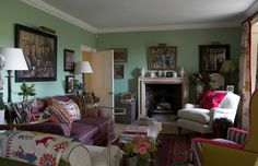 Tour the Dreamy English Country Cottage of Designer William Yeoward