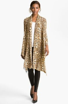 How fabulous is this @Alice_Olivia leopard cardigan! Try it on now!