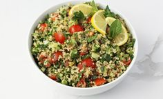 This JSHealth app recipe is tasty, fresh and ready in a flash. Our quinoa tabouli is the perfect side to enjoy with your favourite protein. Healthy Living Recipes, Vegetarian Recipes, Tabouli Recipe, Best Vegetable Recipes, Clean Eating, Healthy Eating, Veggie Stir Fry, Food Test, How To Cook Quinoa