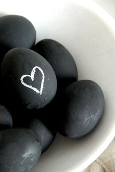 Chalkboard paint eggs! I think the blog post is in German, but the photos explain it all... Perfect!