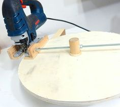 Teds Wood Working - Jax Design: Jigsaw circle cutting jig Get A Lifetime Of Project Ideas & Inspiration! Woodworking Jigsaw, Woodworking Quotes, Woodworking Techniques, Woodworking Shop, Woodworking Plans, Intarsia Woodworking, Popular Woodworking, Woodworking Classes, Woodworking Furniture