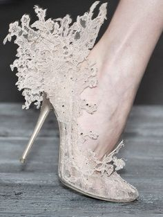 Valentino spring 2010.  I'm sure I've pinned this 20 times!