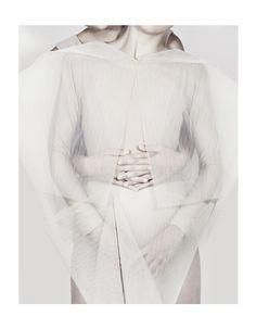 white: who is who? editorial  |photography . Fotografie . photographie |Model: Diana K. & Kristina A. | Photo: Katarína Támová for Sicky Magazine |