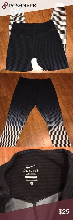 Nike leggings Great condition!! Nike Pants Leggings
