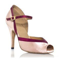 """Avec ses lignes fluides et son liseré discret, ce modèle de chaussures de danse mettra vos jambes de danseuse très en valeur. Modèle """"florence"""" rose et bordeau de Label Latin 70€ www.label-latin.com"""