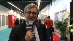 """François Cangardel, directeur immobilier du groupe ADP, fait part de sa joie après avoir été désigné """"directeur immobilier de l'année"""" au Simi 2013."""