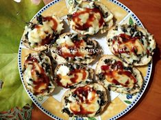 Kuchnia domowa Ani: Mini zapiekanki Mozzarella, French Toast, Muffin, Breakfast, Food, Morning Coffee, Essen, Muffins, Meals