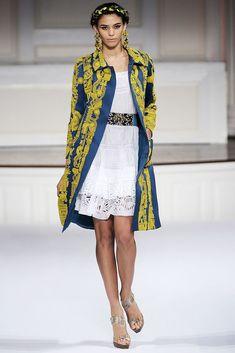 Oscar de la Renta Spring 2010 Ready-to-Wear Fashion Show - Marilia