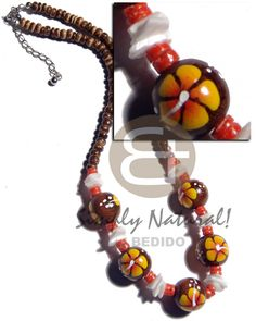 Natural Brown With Handpainted Teens Necklace sustainable teens beach fashion jewelry. Wooden Necklace, Wooden Jewelry, Stone Jewelry, Moda Natural, Natural Brown, Teen Necklaces, Shell Necklaces, Collar Tribal, Summer Necklace