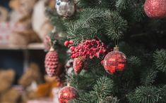 Herunterladen hintergrundbild weihnachtsbaum, 2018, rote weihnachtskugeln, neues jahr, weihnachten