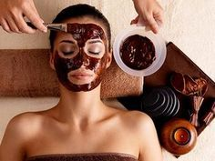 Chocolate Face Mask for Glowing Skin This mask includes several ingredients that are all excellent for the skin… Skin Benefits of Raw Cacao Cacao powder is high in antioxidants, magnesium, … Beauty Care, Diy Beauty, Beauty Skin, Beauty Tips, Diy Mask, Diy Face Mask, Best Homemade Face Mask, Chocolate Face Mask, Chocolate Facial