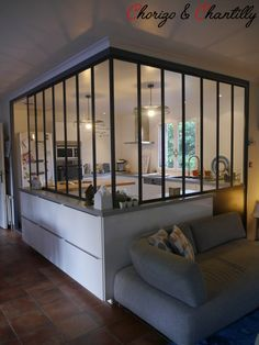 To enlarge the area and to acquire extra brightness, an inside glass roof model workshop organized between the kitchen and the lounge is sensible and tremendous deco House Design, House, Interior, Interior Windows, Home, Kitchen Decor, House Styles, New Homes, Home Deco