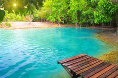 pierre verte piscine | Piscine Verte Chez Krabi Thaïlande Photo stock - Image: 63288280