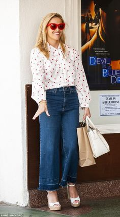 So excited: The beautiful blonde couldn't stop smiling as she stood next to the poster Over 50 Womens Fashion, Star Fashion, Fashion Outfits, Women's Fashion, Spring Summer Fashion, Spring Outfits, Reese Witherspoon Style, Cropped Wide Leg Jeans, Cute Blouses