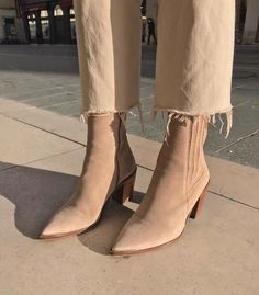 21 Superb Ankle Boots Nine West For Women Ankle Boot For Sprained Ankle - FootWear Nine West, Look Fashion, Fashion Shoes, Autumn Fashion, Fashion Dresses, Mode Outfits, Fall Outfits, Casual Outfits, Suede Boots