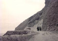 Impresionante foto del año 1931 del antiguo camino del Rincón. Posteriormente fue la base de la antigua carretera de salida al Norte de Gran Canaria. Este camino se puede apreciar todavía desde el actual trazado, situado en terrenos ganados la mar. Esta fotohistórica fue realizadapor Juan Melián Cabrera