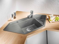 kitchen sinks from Germany's No. Cottage Kitchens, Home Kitchens, Small U Shaped Kitchens, Kitchen Sink Design, Bookshelves In Bedroom, Cabin Interiors, Cuisines Design, Kitchen Living, Kitchen Interior