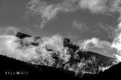 https://flic.kr/p/XUFB7N   170752  Le Cinque Torri tra le nubi di settembre